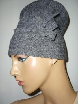 Modellmütze aus gewalkter Wolle