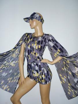 Exklusive Kombination Kleid + Cap