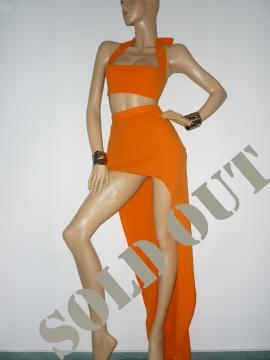 Abendkleid mit Schleppe in einem fabelhaften Orange