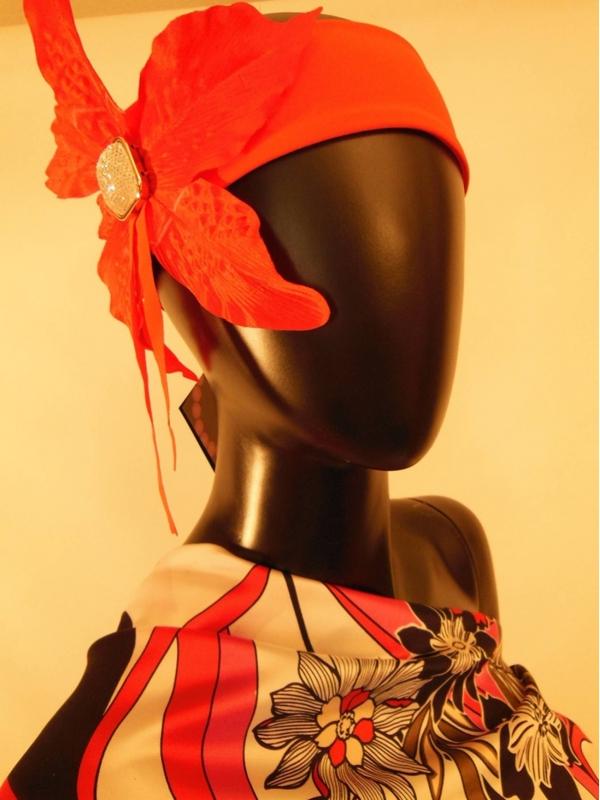 Haarschmuck Blume mit Dekoration