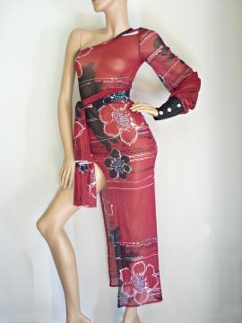 Semitransparentes Kleid mit Ausschnitt